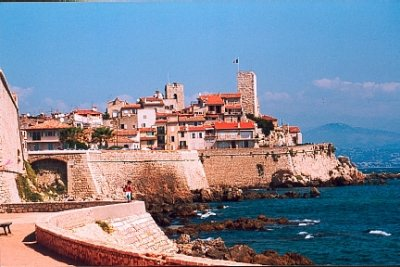 Antibes holiday rental villas and apartments, France