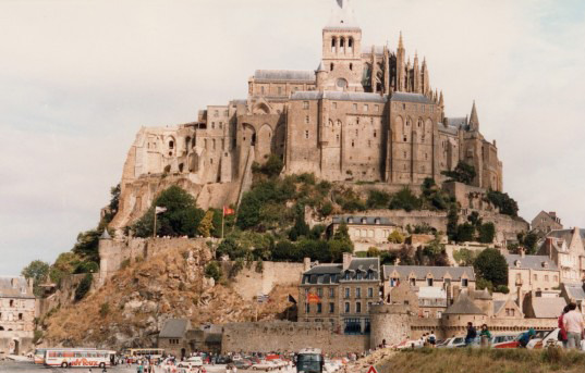 Manche holiday gites & Villas - Visit the well known Mont St Michel