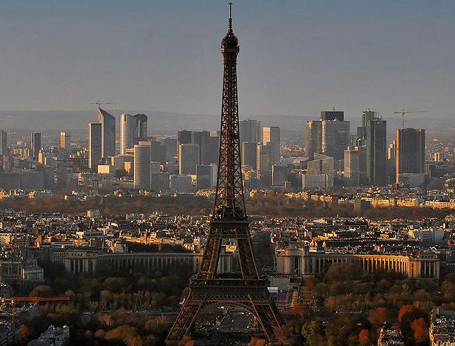 The nineteenth-century Eiffel Tower - Studio apartments in Paris