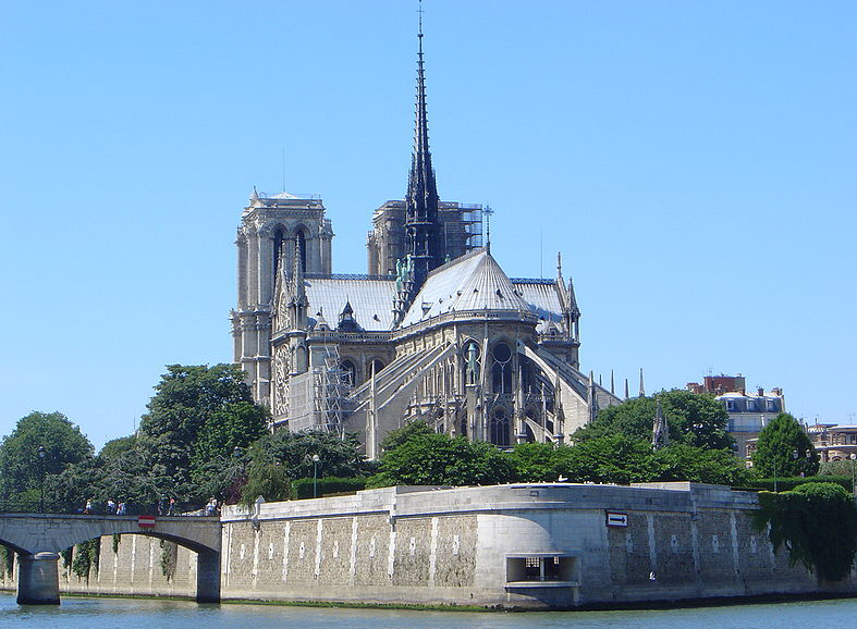 Rent-in-France holiday homes - 20th Century Notre Dame de Paris Cathedral