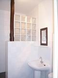 3-Bathroom.jpg0