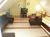 15 - Living Room.jpg0