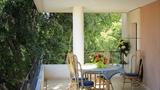 01 - Table in Terrace0