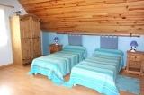 Bedroom 2 beds.