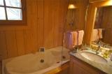 A Bathroom with Whirlpool tub