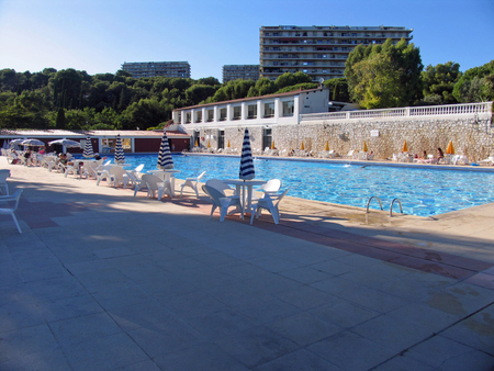 Spacious French holiday apartment in Cagnes-sur-Mer, Cote d'Azur