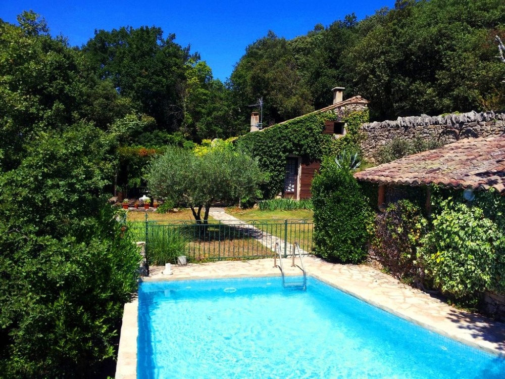 Holiday Rental Cottage in Goudargues, Gard, France