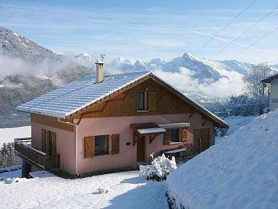 5 Bedroom Catered Holiday Chalet Rental in Morillon, Samoens / Pretty Alpine Chalet