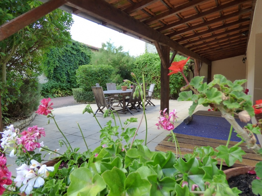 Charente-Maritime Holiday Rental Gite with heated Pool