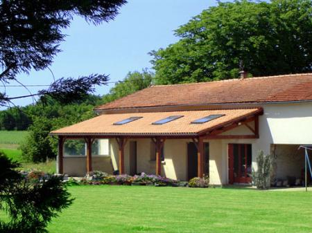 Self Catering Charente Maritime Holiday Cottage with heated pool