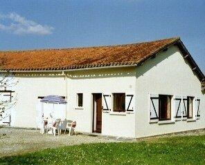 Holiday Rental Cottage in Southern Charente, Rural France ~ Cottage with Great views