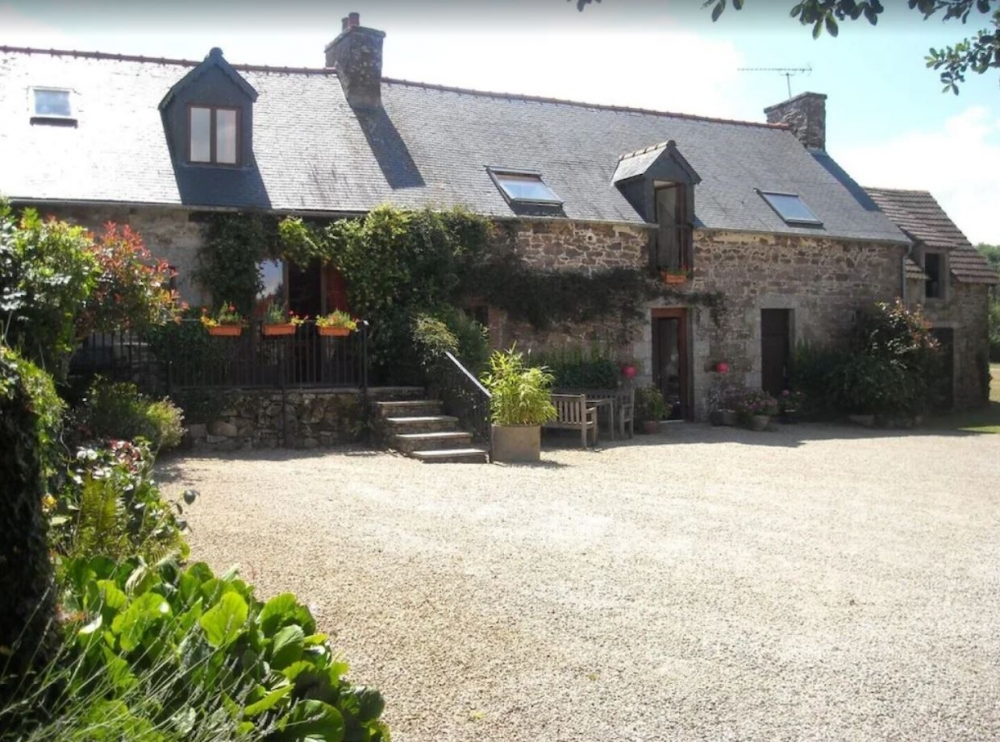 Pontrieux Holiday Cottages in Brittany, Cotes d`Armor - The Longere
