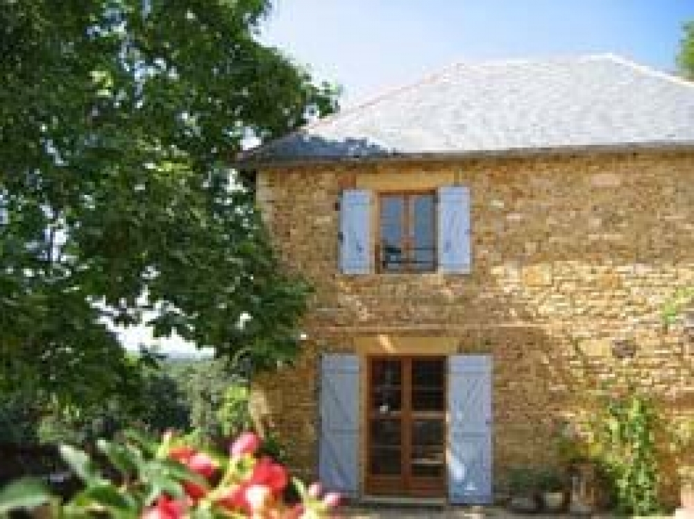 Lovely Dordogne Holiday Cottages with Shared Pool near Sarlat ~ The Cottage