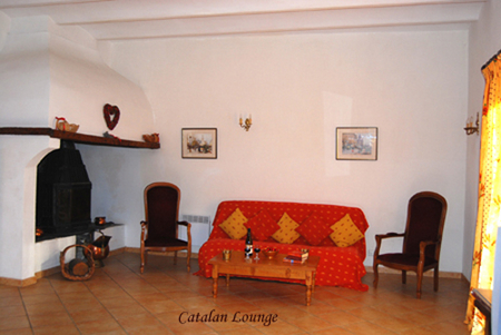 Pezenas Holiday Villa with Large Pool to Rent in Nizas, Languedoc