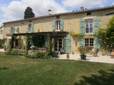 Soupex Holiday Farmhouse Rental with Pool, between Carcassonne and Toulouse