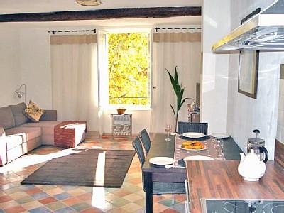Stylish Saint Chinian Holiday Apartment Languedoc