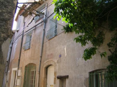 Cannes-Le Cannet: Charming House in historic village; 3 bedrooms 3 bathrooms. 150 sqm