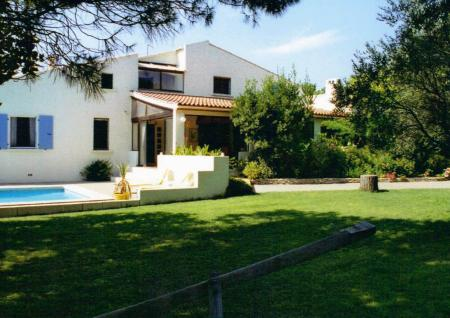 Superb holiday villa with pool to rent in Montagnac, near Pezenas