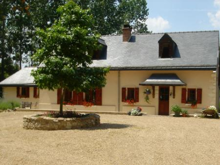 Holiday Cottage with Pool in Loire, near Saumur, France -  La Maison Rouge