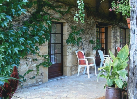 Private Holiday Cottage Rental in St Pompon, Dordogne, France