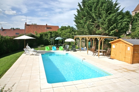 Large Burgundy family house rental, France ~ 6 bedrooms, Pool, Games, WIFI Internet