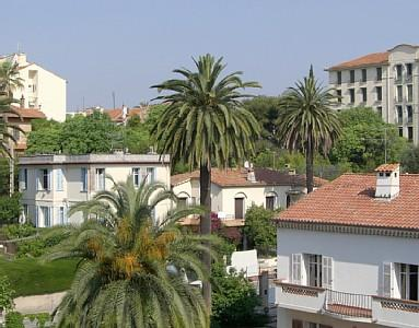 Attractive and Large Cannes Apartment Rental just minutes from the beaches