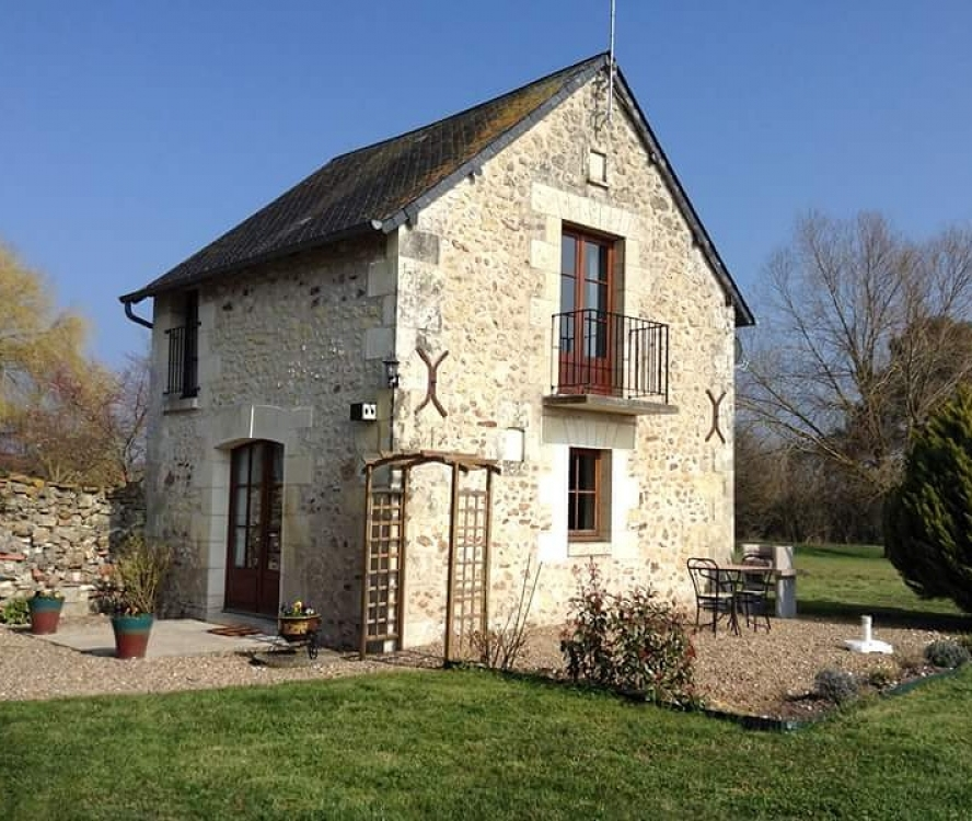 Le Pigeonnier / One bedroom cottage rental in Indre-et-Loire, Le Petit Pressigny, France / Sleeps 2