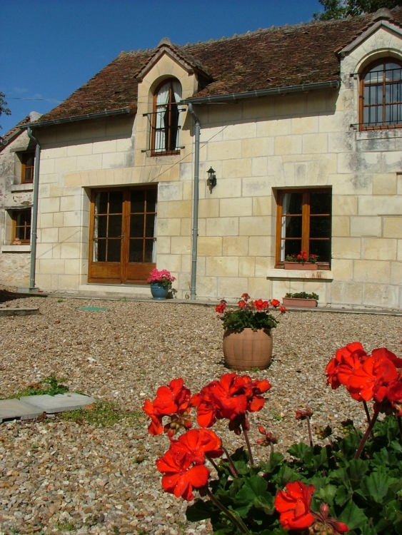 Gites / Holiday Cottages with Heated Pool in Le Petit Pressigny, Indre-et-Loire France / Le Martinet Sleeps 4