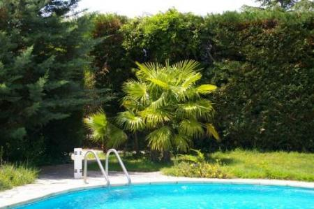 Self-Catering Canet holiday rental cottage with Shared Pool in Languedoc Roussillon