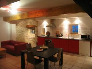 3 spacious luxury accommodations with pool minutes from Carcassonne