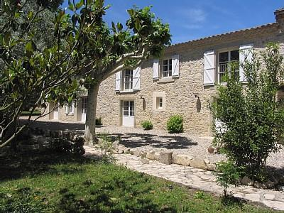 Luxury holiday rental gites with pool 10 minutes from Carcassonne