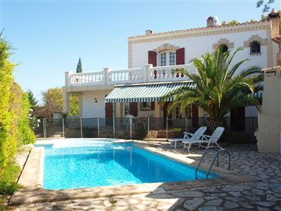 Mediterranean-style Holiday Villa Rental with Private Pool in Pezenas, South France / WIFI Internet