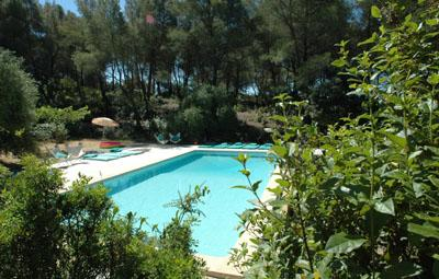Self-Catering Provence Holiday Cottage with Pool in le Beausset, Bouches-Du-Rhone