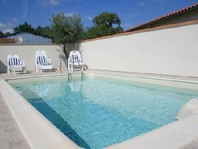 Mios Holiday Rental Home with Private Pool, Gironde, Aquitaine