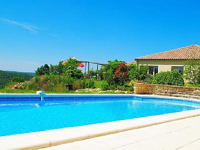 Stunning holiday villa with pool to rent in Degagnac, Lot