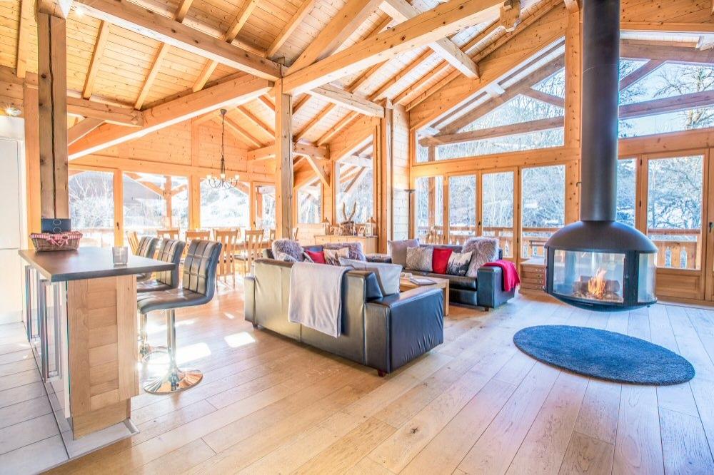 Fantastic Ski Chalet Rental in Haute Savoie, Rhone-Alpes / 4 Bedroom Morzine Chalet