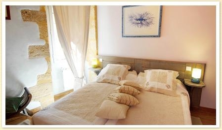Holiday Rental Apartment in Sarlat, Dordogne ~ Luxury Sarlat Apartment in Medieval quarter