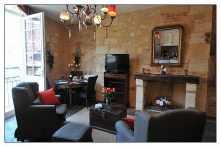 Luxurious Sarlat Holiday Rental Apartment, ideal for exploring Sarlat