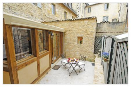 Sarlat Holiday Rental Apartment in Dordogne ~ Enchanting Ground Floor