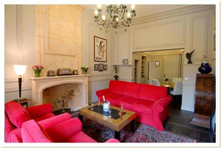 Dazzlingly Elegant Sarlat Apartment Rental in the medieval quarter