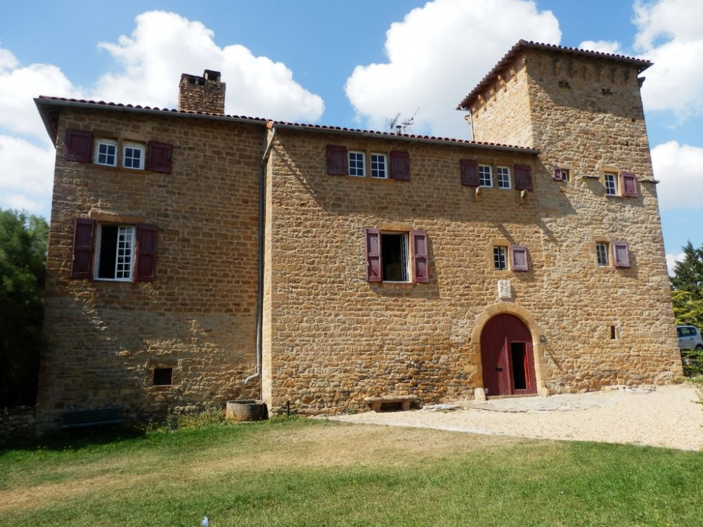 Fantastic 12 Bedroom Country Chateau to rent in Millau, South Aveyron