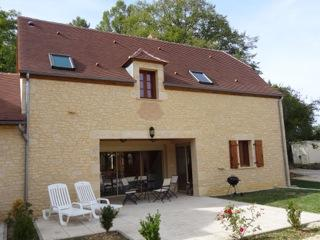 Beautiful holiday villas with swimming pool and restaurant facilities a stroll across the lawns