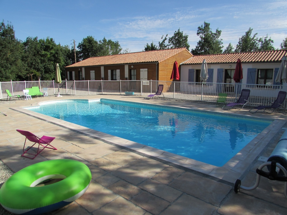 Lavande - very spacious 3 * with swimming pool in swamps close in the marshes between Fontenay le comte and La faute sur Mer