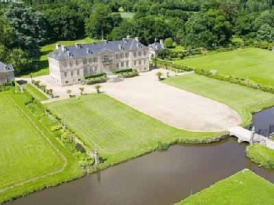 Exquisite Morville Holiday Home in stunning Chateau grounds, in Negreville, Normandy