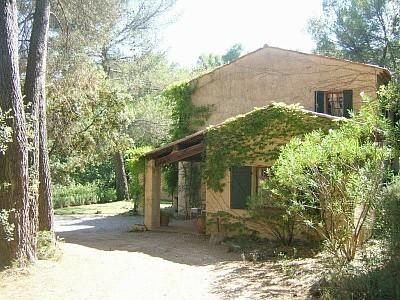 Provencal Holiday Villa with Heated Pool Air con V.Private South facing, 30 miles from St Tropez