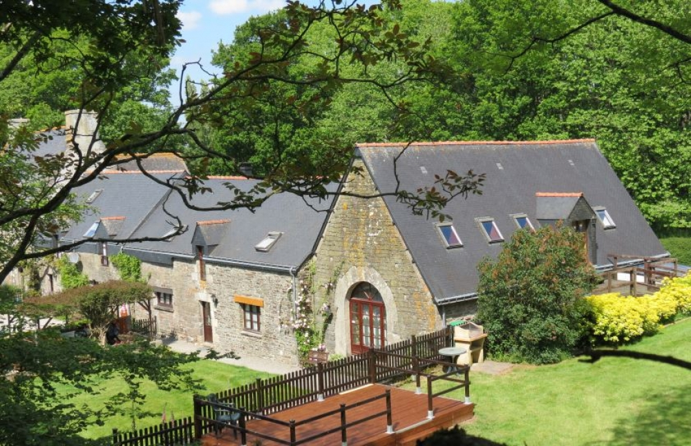 Charming Brittany Holiday Rental Home with Pool - Coach House