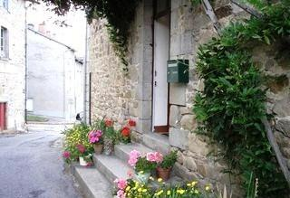 Self-Catering 3 bed Holiday Apartment with Indoor Pool in Eymoutiers, Limousin