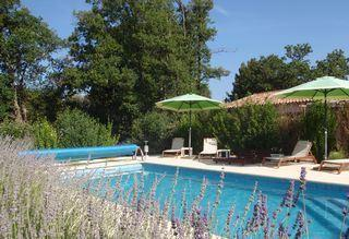Aups 2 bed Holiday Rental Apartment with Pool, Var, France