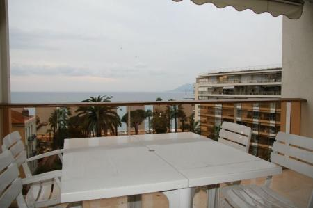 Stunning Holiday Studio Apartment in Cannes, Cote D`Azur