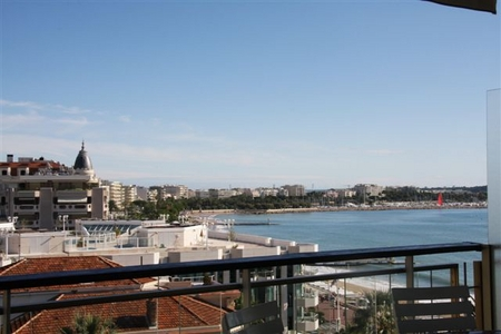 Luxury Cannes Holiday Apartment Rental with Sea views, Cote D`Azur